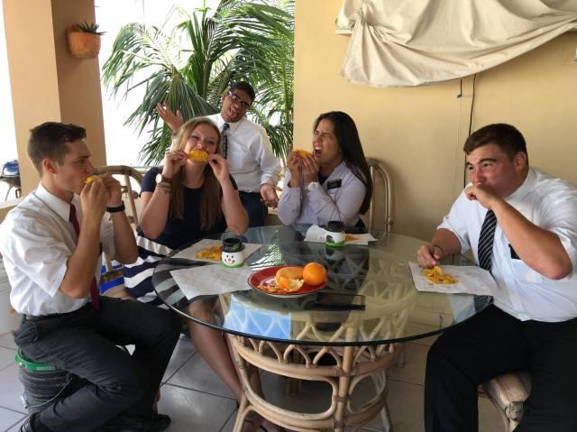 Comiendo Mangos2