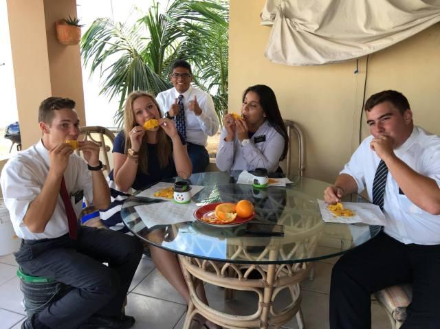Comiendo Mangos3